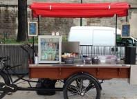 Confira algumas dicas de como montar um food bike, uma moda que veio na cola dos food trucks, mas que exige um capital bem menor para montar. Veja como montar um food bike, quanto custa e como divulgar o seu negócios sobre rodas.