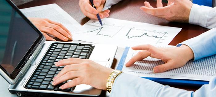 O mercado de seguros online cresce a passos largos no Brasil e desponta como uma boa opção para os empreendedores que desejam montar um negócio na Internet. Veja detalhes sobre as boas oportunidades no segmento de seguros online.